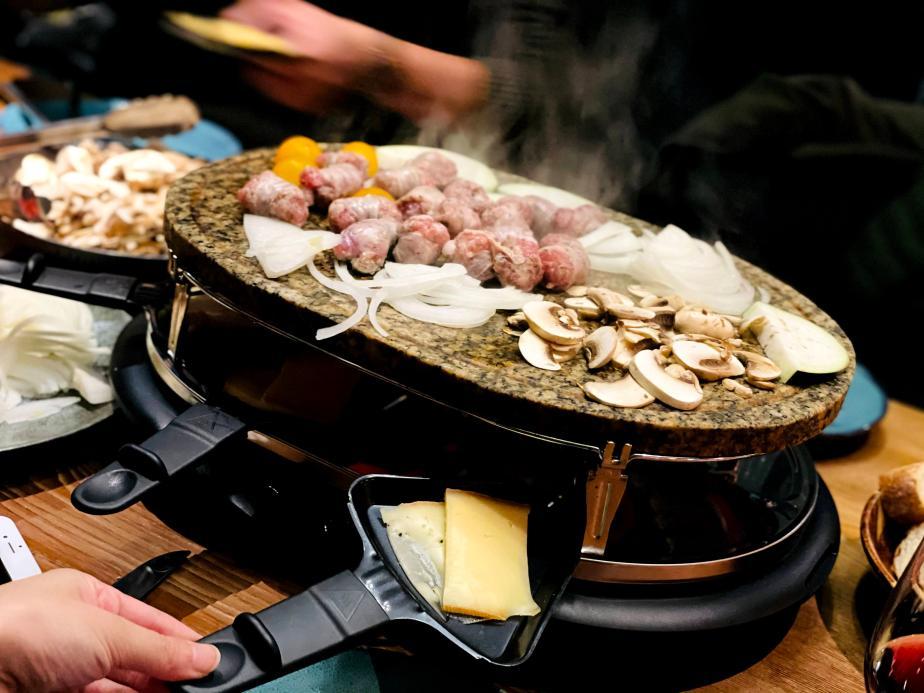歐洲乳酪特輯 初嚐法式 Raclette暖冬圍爐宴